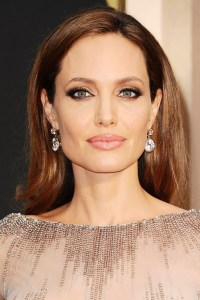 Angelina-Jolie_glamour_2mar14_rex_b_592x888