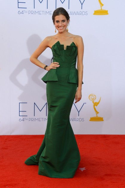 Allison Williams at the 2013 Emmys