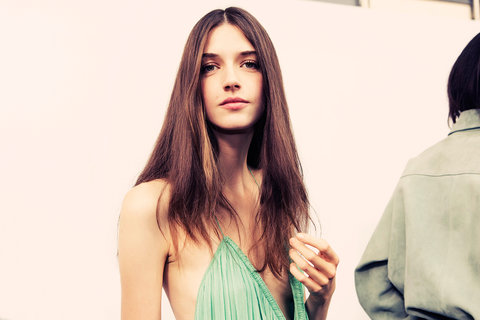 collections-beauty-guide-easy-nautural-hair-chloe-rtw-ss15