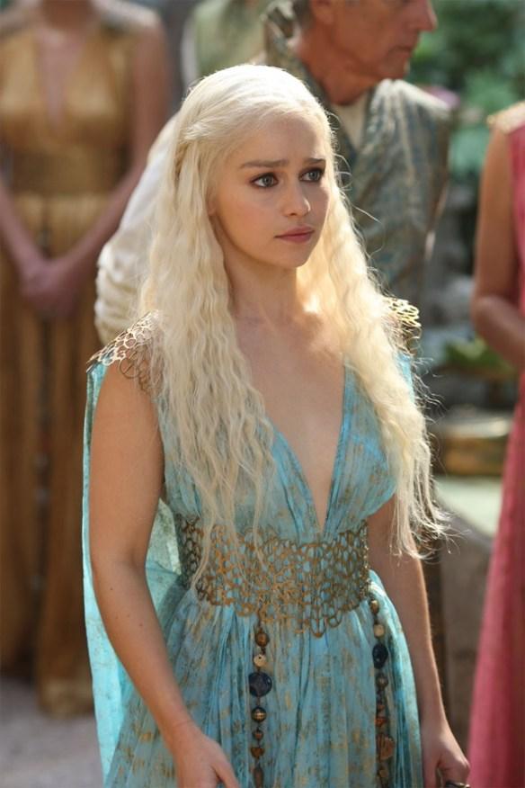 Daenerys-Targaryen3-glamour-22april16-HBO_b_592x888.jpg